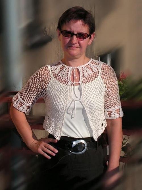 szydełkowa bluzka wykonana z Perle5