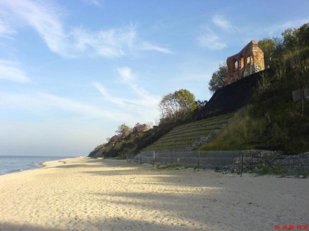 Trzęsacz, ruiny, plaża #Trzęsacz #plaża #ruiny #morrze