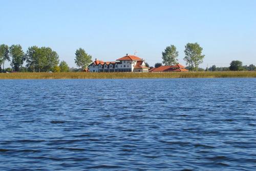 Hotel Joseph Conrad nad Jeziorem Roś #JezioroRoś #Roś