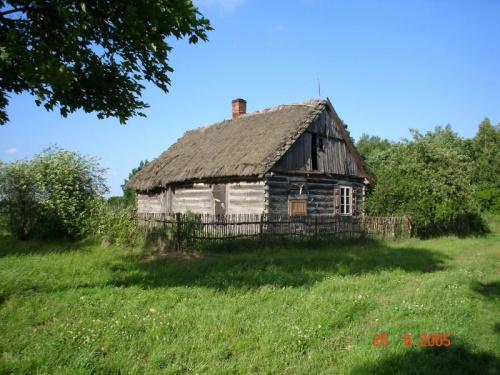 Jeszcze XIX wieczna chata stoi #pttk